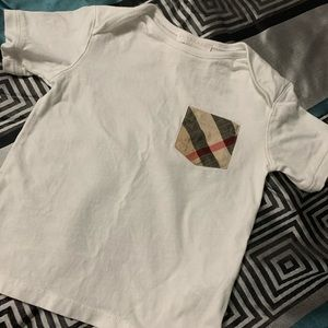 Kids Burberry shirt can be unisex.